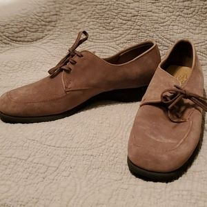 Vintage Hush Puppies Shoes